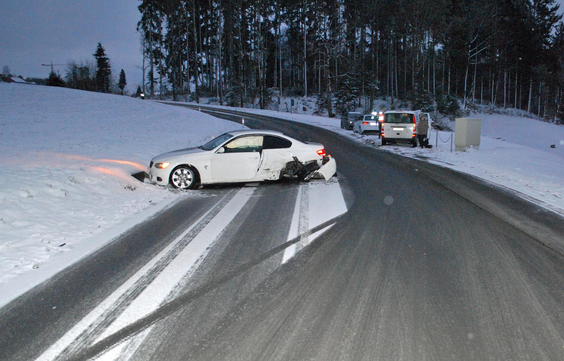 Heikle Strassenverhältnisse führen zu weiteren Unfällen