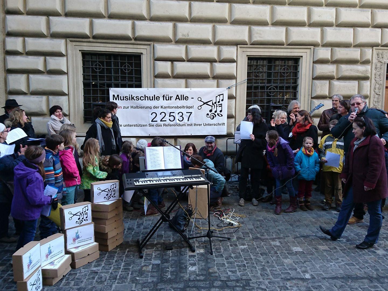22-537-Unterschriften-gegen-Abbau-bei-Musikschulen