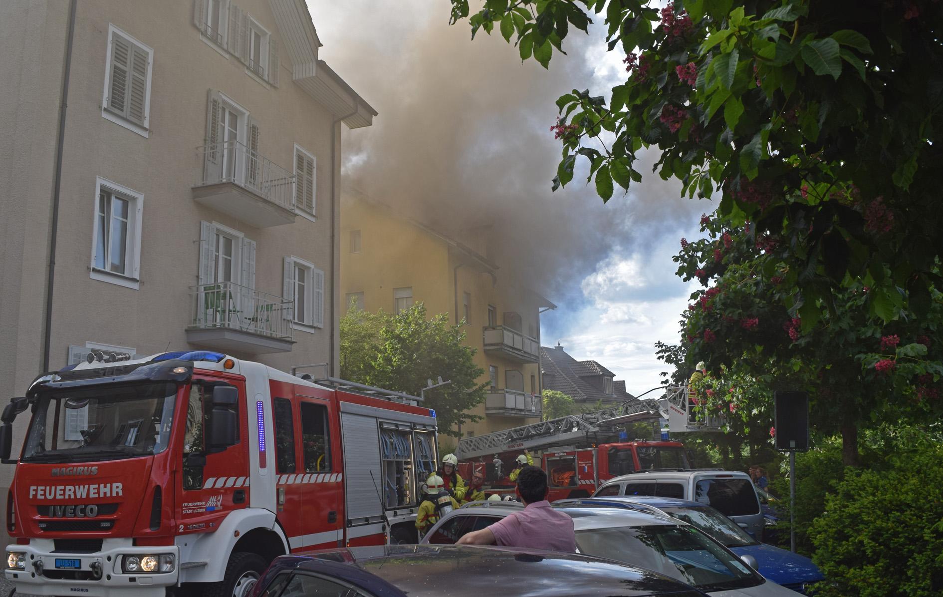 Haus brennt mehrere personen verletzt seetaler bote for Maison brand